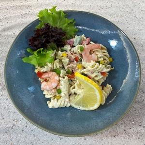 Pasta salade zalm-scampi